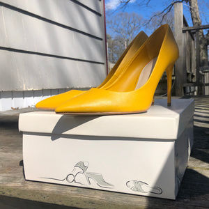 Like-New Zara Yellow Heels size 41